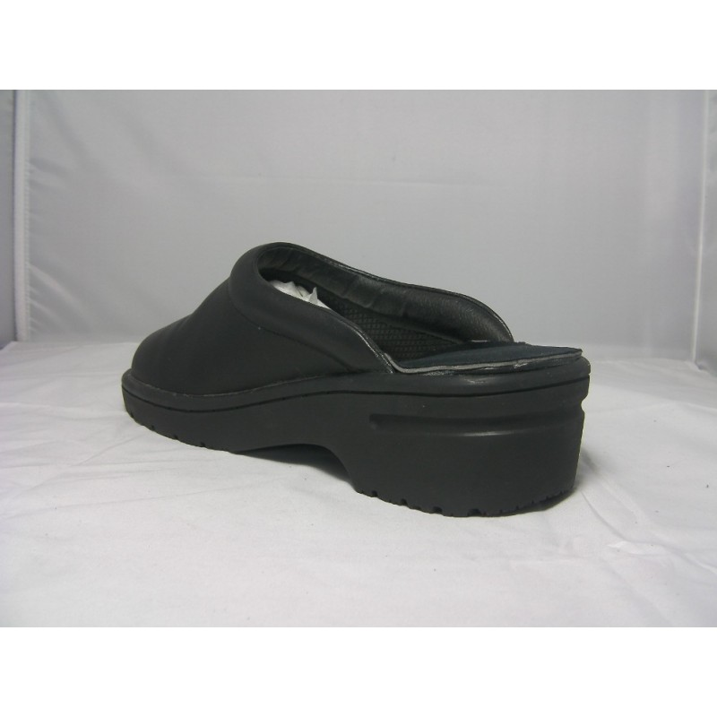 Protective shoes with open back MCX002